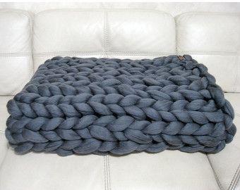 Super dikke deken. Reus gebreid Merino wol gooien. door woolWow