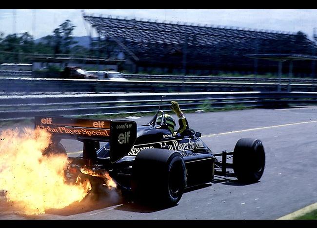 Ayrton Senna at Rio de Janeiro, 1986.    CAMPIONATO MONDIALE FORMULA (F1) UNO 1986. PROVE PRE CAMPIONATO F1. CIRCUITO DI RIO DE JANEIRO. AYRTON SENNA (LOTUS 98T RENAULT) RITORNA AI BOX COL MOTORE IN FIAMME.    (Source: XPB Images)