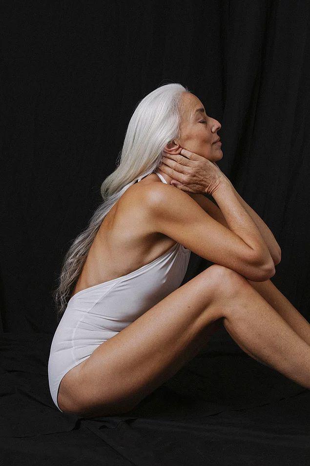 Она модель, художник и фотограф, проживающая в Малибу, Калифорния