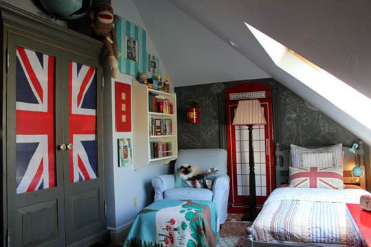 Most British kid's bedroom ever. Awesome.