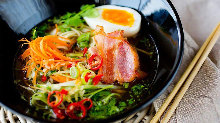 Glem ferdigmat og mikrobølgeovn. Disse ti middagene er lette og lage, og du har dem på bordet innen 20 minutter.