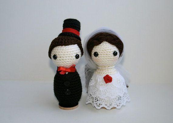 Crocheter la mariée et le marié mariage Amigurumi poupées