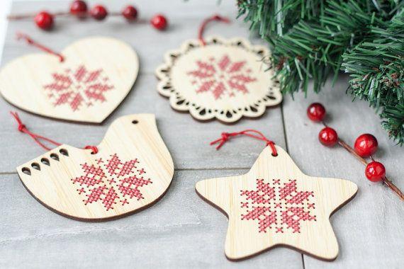 Bausatz / / Set 4 Cross Stitch Ornamente / / Skandinavisch inspirierten Urlaub / / DIY Christmas Ornaments