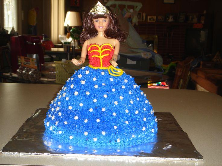 25 best ideas about frozen barbie cake on pinterest for Decoracion wonder woman