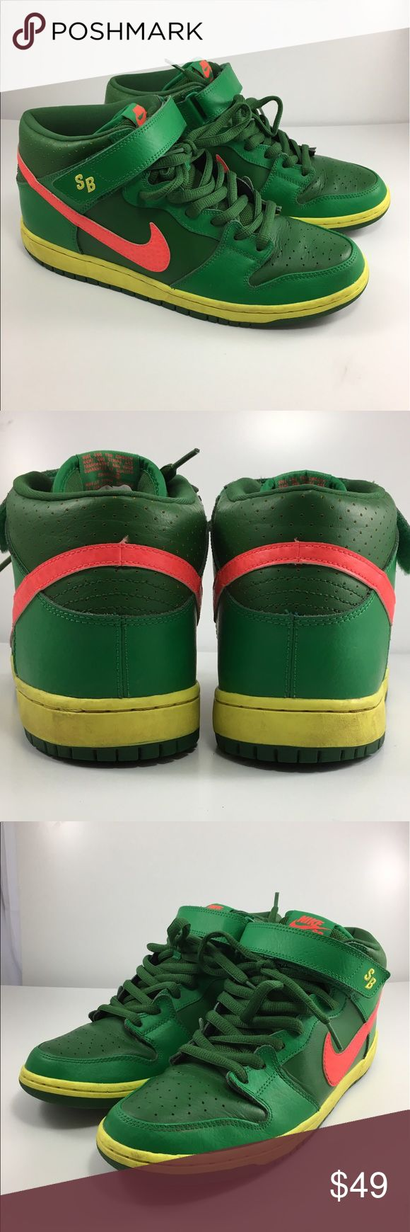 💙Men's Nike mid top basketball shoe 10.5 💙Men's Nike Mid Top Basketball 🏀 shoe in size 10.5. Shoes are green based with pink swoosh and yellow stripe around bottom. Tie ups and Velcro strap. Shoes are in good used condition and made in Vietnam. Nike Shoes Sneakers