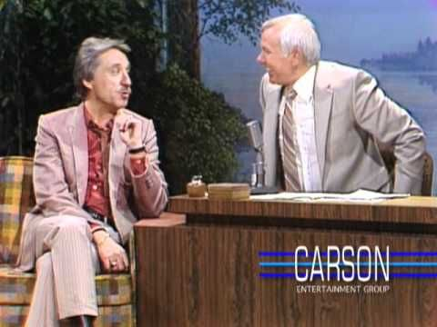 """Doc Severinsen and Johnny Carson Talk Thanksgiving Plans on """"The Tonight Show"""" —1979--I miss Johnny."""