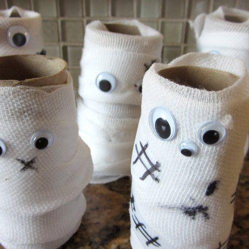 À l'Halloween aussi les fameux rouleaux de papier de toilette peuvent servir à…