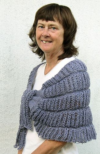 Fluffy shawl/Fluffig schal by Karin M Andersson