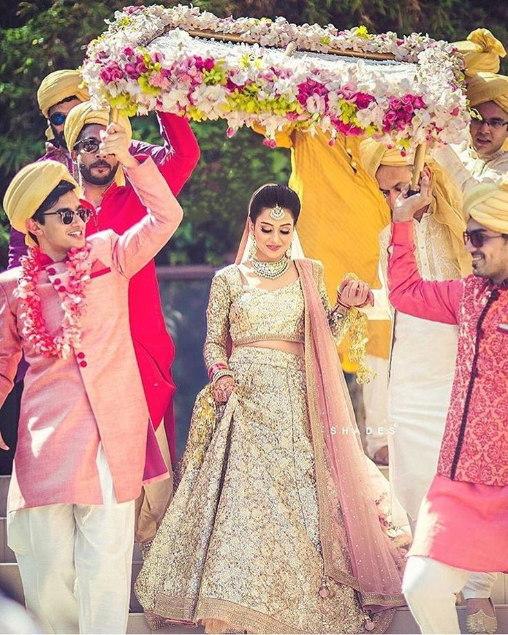 """9,772 Likes, 26 Comments - TheWeddingBrigade.com (@theweddingbrigade) on Instagram: """"Isn't she gorgeous?! Also, notice the pretty contrast of colours in the phoolon ki chaddar! …"""""""
