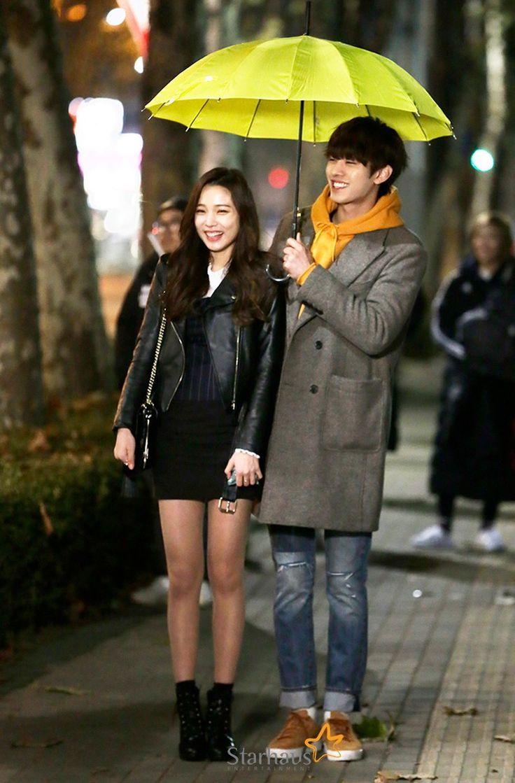 Yoon Sohee with co-star Ahn Hyoseop http://naver.me/5VzCRRl9