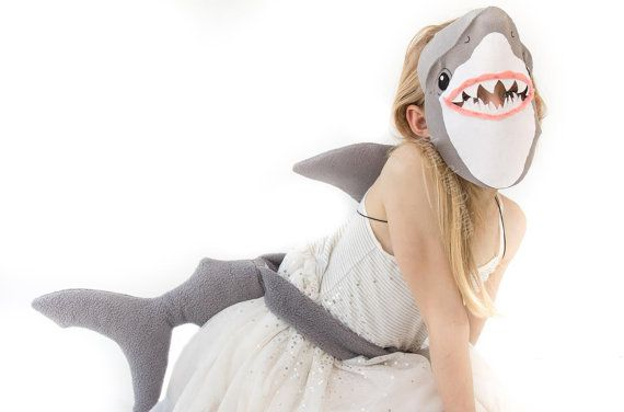 Cue the suspense music!  Your little mans head is going to swim when he sees our felt shark mask. With this mask sewing pattern, just a few pieces of