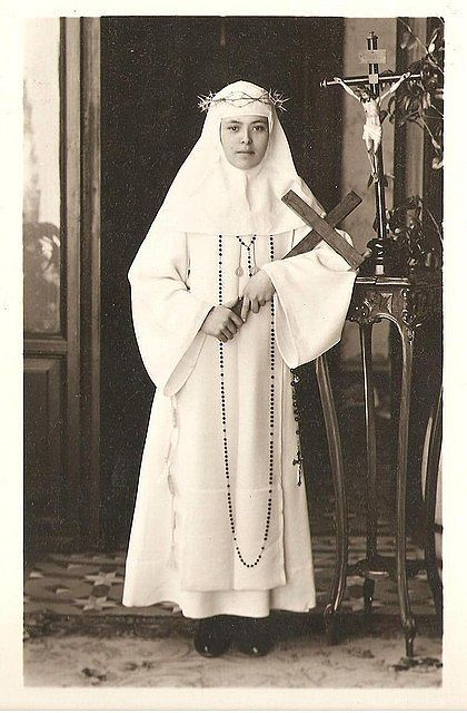 Some photos of Sor Maria de Lourdes, who founded the monastery of Cordova, CA.