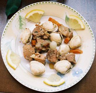 Receita de Carne de Porco com Ameijoas - http://www.receitasja.com/carne-de-porco-com-ameijoas/