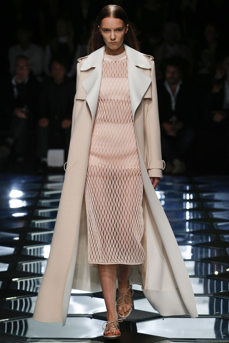 Balenciaga womenswear, spring/summer 2015, Paris Fashion Week