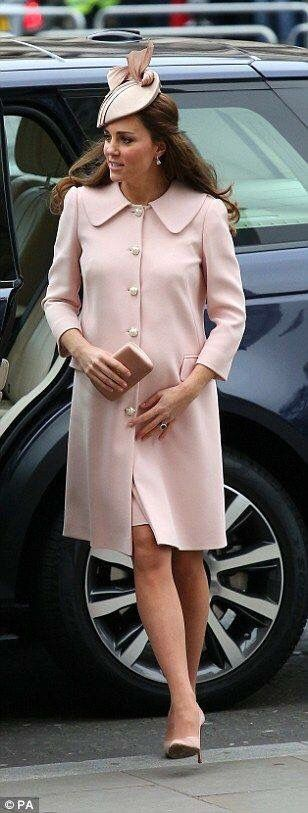 Duchess Kate pregnant with Princess Charlotte