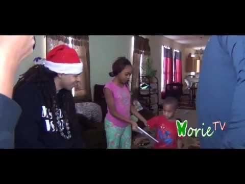 Big Fav and Dee-1 Play Santa on Christmas Eve with NorieTv!