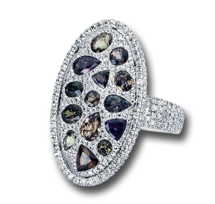 Alexandrite & Diamond Ring #jewelry #finejewelry #diamonds #alexandrite…