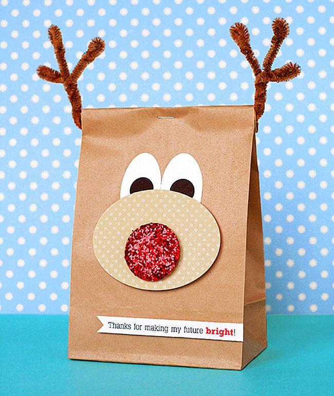 DIY Christmas Gifts | Agregar un poco de color a una bolsa de papel puede convertir este ...