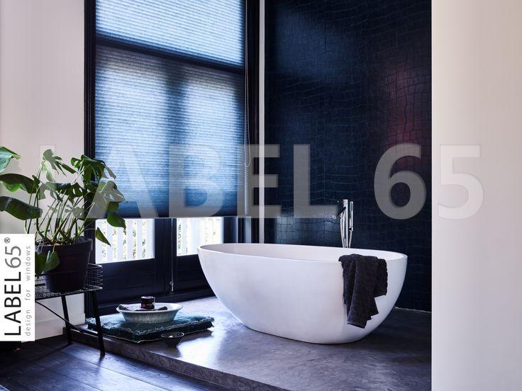 Plisse gordijnen in de badkamer praktisch en trendy. cool city loft