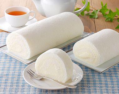 写真:白いロールケーキ
