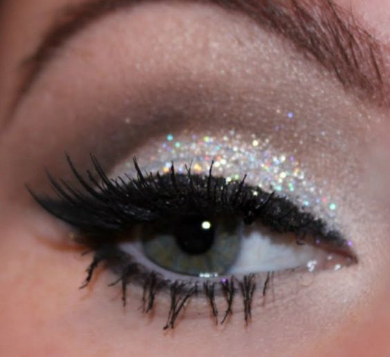 9 Ways To Up Your New Year's Eve Makeup Game