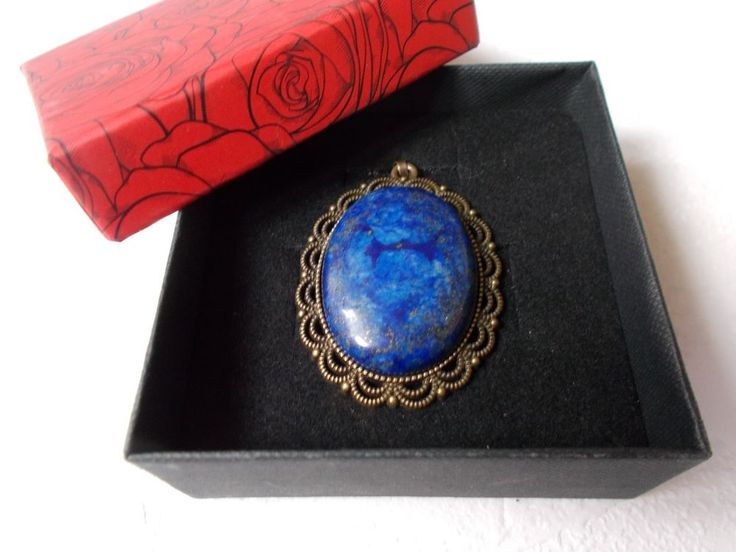 Pendant with lapis lazuli natural stone