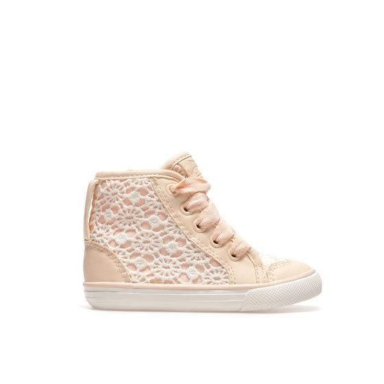 Oh too cute! I love these crochet-inspired pink girls' basketball shoes from Zara. #aff
