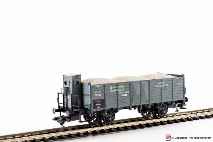 MARKLIN 46037 - H0 1:87 - Carro merci aperto DB con garitta e carico sabbia modello Omk insider con confezione