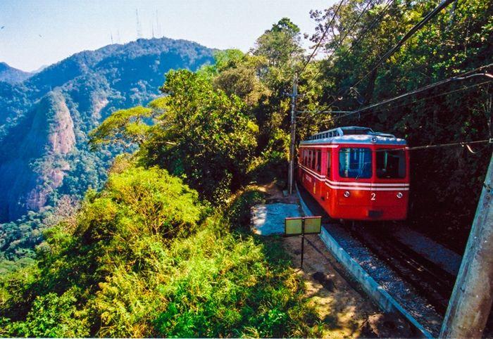 Trem estrada de ferro do Corcovado (RJ)
