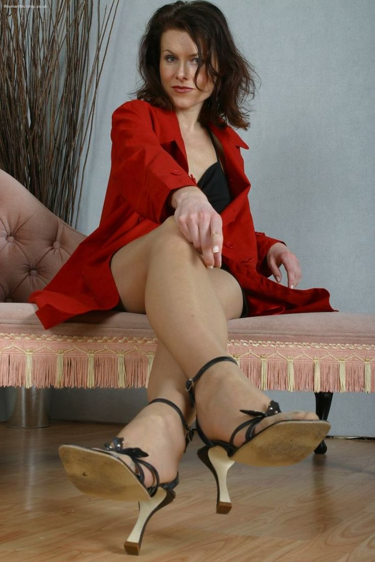High heel mature mistresse