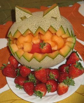 Google Image Result for http://www.alleventsadviser.com/wp-content/uploads/archive/halloween-food-fruit_monster_2_thumb.jpg