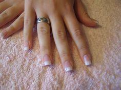 9 remedios caseros para blanquear las uñas de las manos y los pies