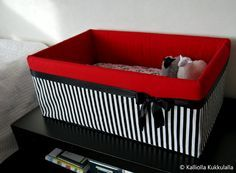 äitiyspakkaus laatikko