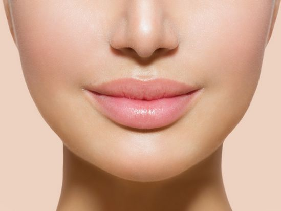 Do *THIS* lip exercise to tone your lip muscles, increase blood flow and create beautiful bee-stung lips.