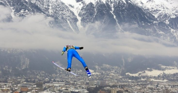 20150103 -  O esquiador francês Ronan Lamy Chappuis salta durante o torneio de quatro trampolins na Copa do Mundo realizada en Innsbruck, na Áustria. PICTURE: Xinhua/Maxppp/Zumapress