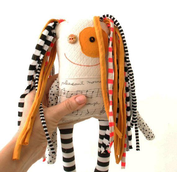 Spéciale poupée cadeau pour professeur de musique par Tatadolls