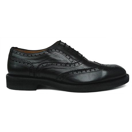 Zapato oxford con pala vega en color negro de Ashcroft. Vista lateral