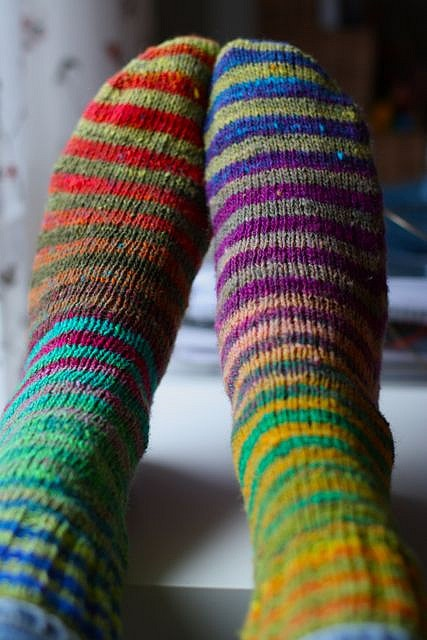 Noro Kureyon stripe socks. What colourway is this? Suspect it is two colourways - the nice green one and one with cobalt blue & hot pink.