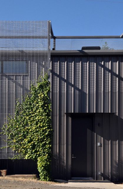 ivy privacy/shade screen, dark bronze pbr metal panel
