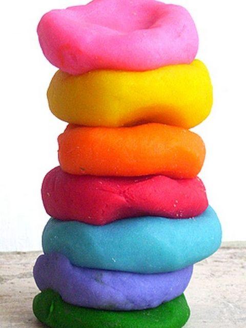 """Il dido fatto in casa Bimby o plastilina o pasta di sale è la """"ricetta"""" per preparare in modo casalingo uno dei giochi più amati dai più piccoli."""