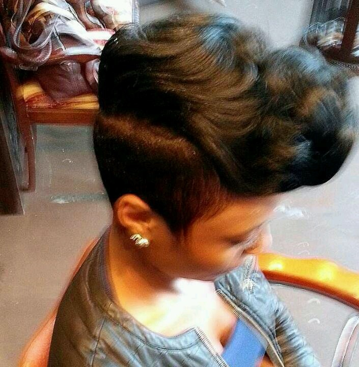 Magnificent 1000 Ideas About Razor Chic On Pinterest Hairstyles Short Cuts Short Hairstyles For Black Women Fulllsitofus