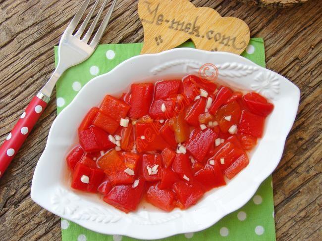 Sirkeli Közlenmiş Kırmızı Biber Salatası Resimli Tarifi - Yemek Tarifleri