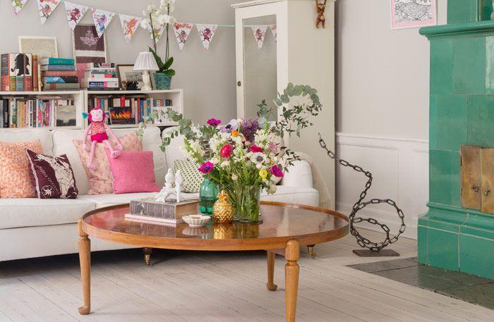 Såpade furugolv och personliga detaljer – charmigt i Gamla stan - Sköna hem