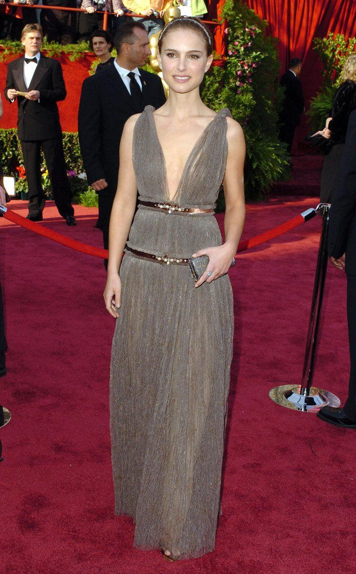Pin for Later: Natalie Portman's Prima Ballerina Red Carpet Transformation Natalie Portman in Lanvin at the 2005 Oscars One of our favourite looks — Natalie channels a modern goddess style in Lanvin at the '05 Oscars.