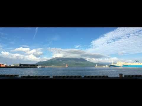 鹿児島市の光景 もうすぐ夏かも!〔4Kタイムラプス〕鹿児島新港の空と雲を Shot by iPhone and FiLMiCPro V6.1