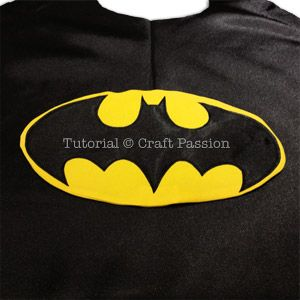 Need a last minute Superhero Cape? Sew this quick Batman Superhero Cape in an evening. The batman cape has inverted scallop edging (bat wing) at the bottom.