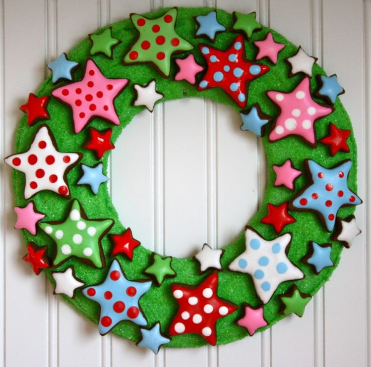 Wreath Design Ideas 40 diy christmas wreath ideas how to make holiday wreaths crafts Fun Wreath Ideas Cute Fun Colorful Edible Christmas Wreath Design For Kids With Sweet