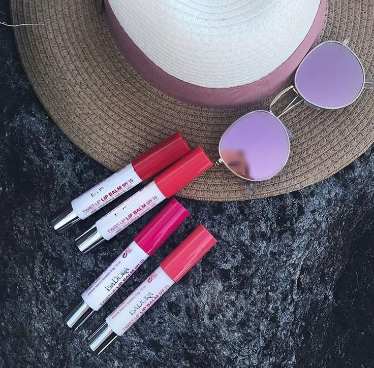 Du gillar sidan · 14 tim ·   Obssesion 😍💄 these beauty's is a must have during summer ☀️ @martinekristine featuring her faves of Twist-up Lip Balm SPF 15. Which one's your pic, Melon, strawberry, cherry or Raspberry ?   #lipbalm #isadoramakeup #summer #sun #sunglasses #sunhat #lippie #lipstick
