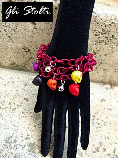 """Bracciale a tre catenelle in tessuto con teschi colorati e campanellini pendenti """"Calavera"""". Vai al link per tutte le info: http://glistolti.shopmania.biz/compra/bracciale-teschi-calavera-211 Gli Stolti Original Design. Handmade in Italy. #glistolti #moda #artigianato #madeinitaly #design #stile #roma #rome #shopping #fashion #handmade #style #bijoux #teschi #skull"""