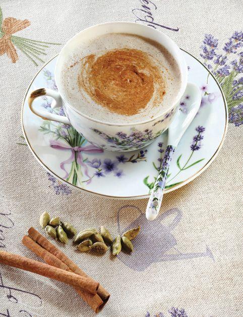 CHAI LATTÉ (mandľové mlieko, škorica, čerstvý zázvor, kardamón...)